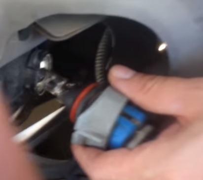 2001 Dodg Truck Headlight Bulb Replacement