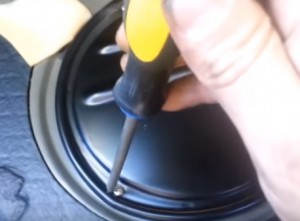 Steps to Replacing a  Fuel Pump on a Volkswagen Passat