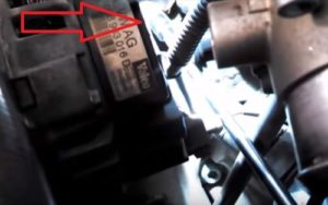 How To Replace a Thermostat on a 2001 VW Passat