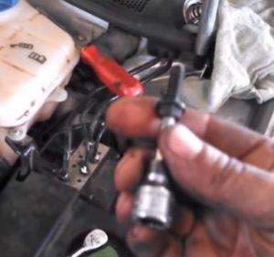 Installing a Thermostat on a 2000-2004 VW Passat 33333