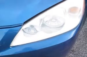 How To Replace the Headlight Bulb on 2005–2010 Pontiac G6 Pic 2