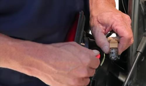 How to Install and Easy Change Tail Light Bulb step 3