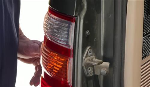 How to Install and Easy Change Tail Light Bulb step 6