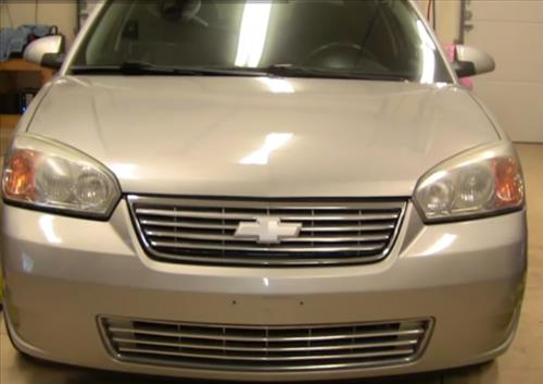How To Install Replace Headlight And Bulb Chevy Malibu 04 08 Pic 1
