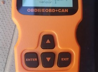 Review SUAOKI OM123 OBD II Scan Tool Buttons