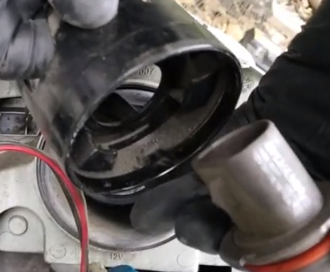 How to Replace Headlight Bulb 2005-2010 Chevy Cobalt Step 6