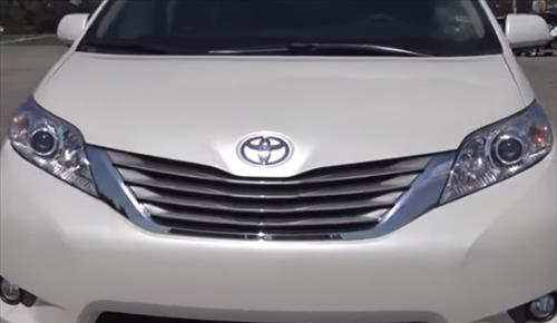 How to Replace Headlight Bulbs 2010–2018 Toyota Sienna