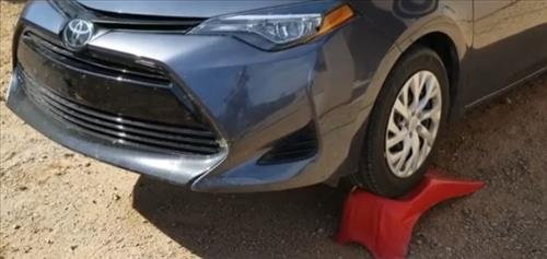 How To Change the Oil 2019 Toyota Corolla 1.8 L Step 1